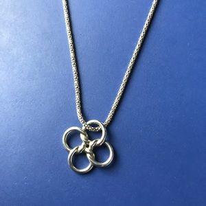 Tiffany Quadrifoglio 4 leaf clover necklace